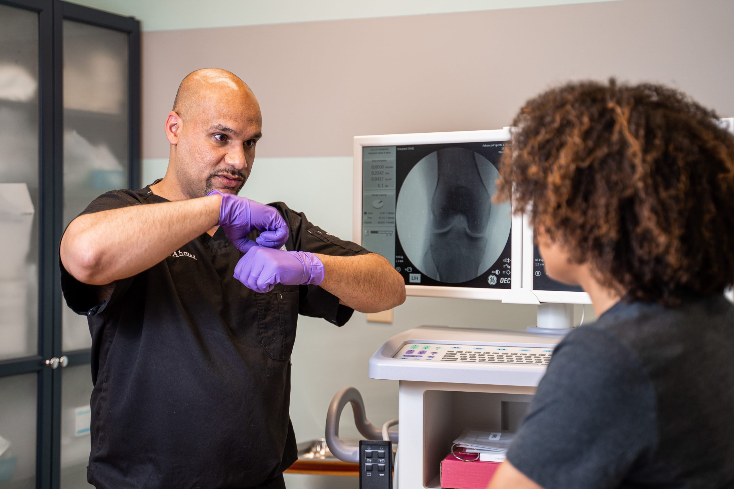 Dr. Usman Ahmad of Stem Cell Carolina offers stem cell therapy and prp therapy in Charlotte, NC